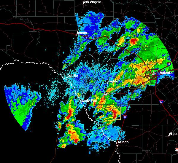 Radar Image for Severe Thunderstorms near Catarina, TX at 3/28/2018 1:01 AM CDT