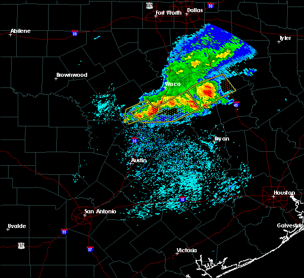 Radar Image for Severe Thunderstorms near Belton, TX at 4/3/2018 1:02 PM CDT