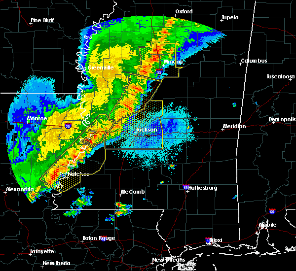 Radar Image for Severe Thunderstorms near Natchez, MS at 4/3/2018 8:15 PM CDT
