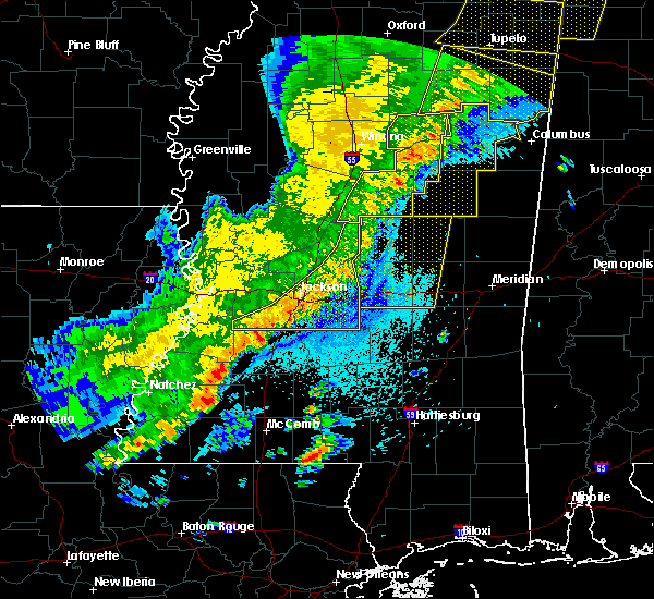 Radar Image for Severe Thunderstorms near Brandon, MS at 4/3/2018 9:03 PM CDT