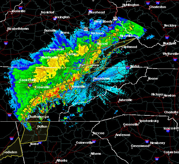 Radar Image for Severe Thunderstorms near Tazewell, TN at 4/4/2018 1:24 AM EDT