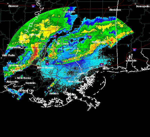 Radar Image for Severe Thunderstorms near Norwood, LA at 4/4/2018 12:38 AM CDT