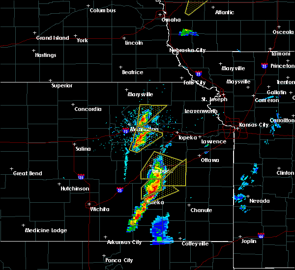 Radar Image for Severe Thunderstorms near Waverly, KS at 4/13/2018 3:10 PM CDT