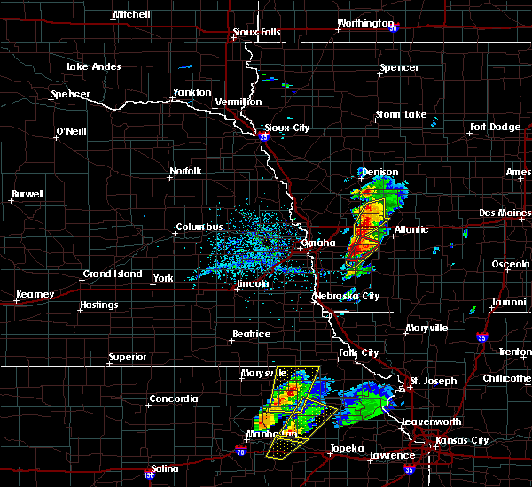 Radar Image for Severe Thunderstorms near Oakland, IA at 4/13/2018 3:44 PM CDT