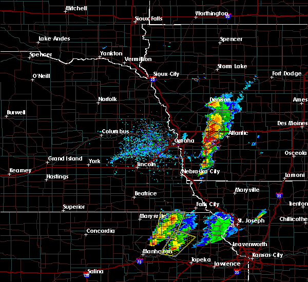 Radar Image for Severe Thunderstorms near Oakland, IA at 4/13/2018 3:56 PM CDT