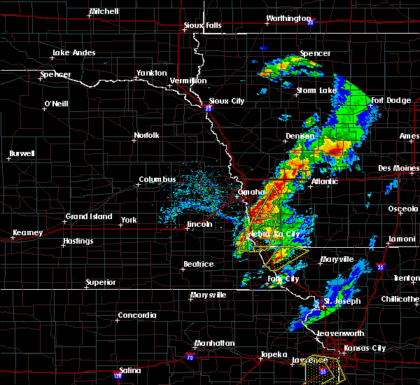 Radar Image for Severe Thunderstorms near Sidney, IA at 4/13/2018 5:23 PM CDT