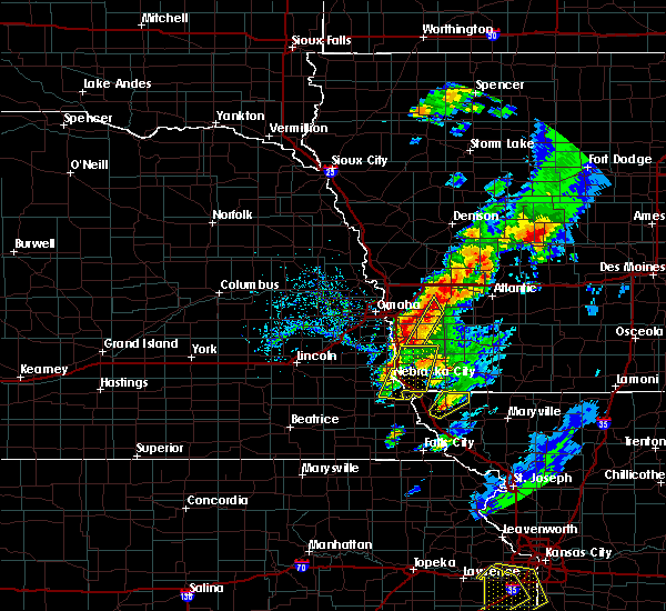 Radar Image for Severe Thunderstorms near Sidney, IA at 4/13/2018 5:29 PM CDT