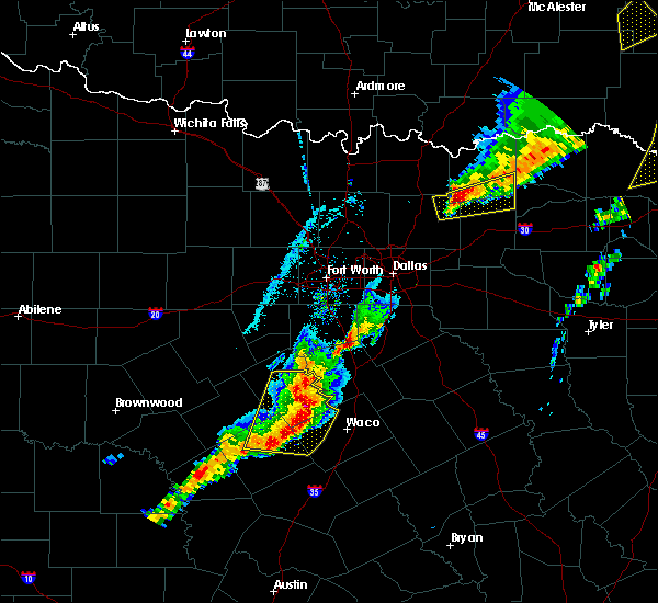 Radar Image for Severe Thunderstorms near Gatesville, TX at 4/13/2018 7:04 PM CDT