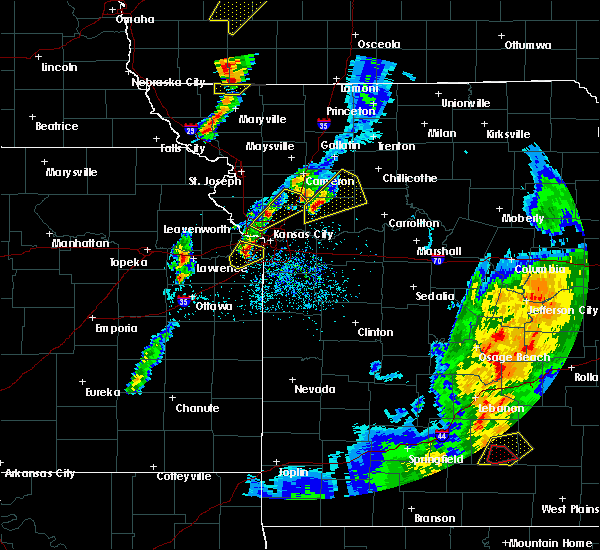 Radar Image for Severe Thunderstorms near Edwardsville, KS at 4/13/2018 7:25 PM CDT