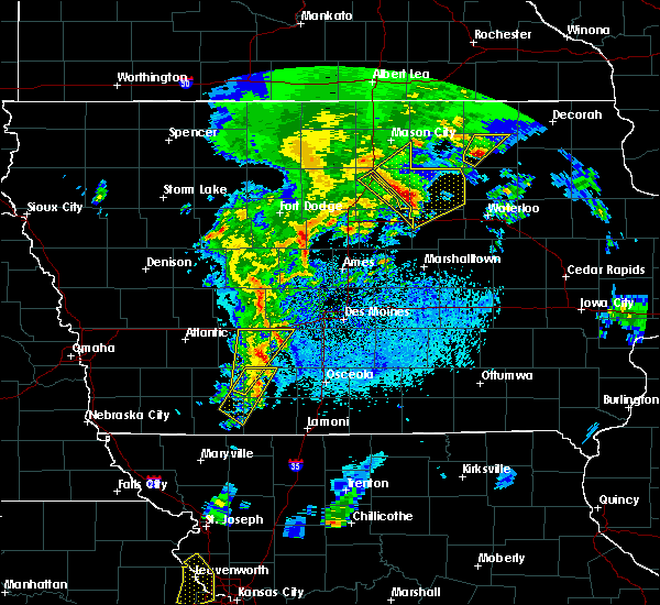 Radar Image for Severe Thunderstorms near Thayer, IA at 4/13/2018 8:35 PM CDT