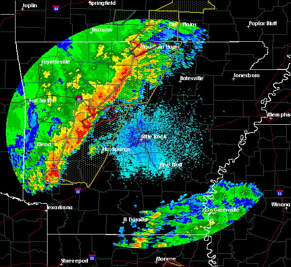 Radar Image for Severe Thunderstorms near Salem, AR at 4/13/2018 8:47 PM CDT