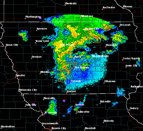 Radar Image for Severe Thunderstorms near Rockwell, IA at 4/13/2018 9:00 PM CDT