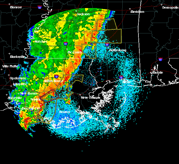Radar Image for Severe Thunderstorms near South Vacherie, LA at 4/14/2018 9:33 AM CDT