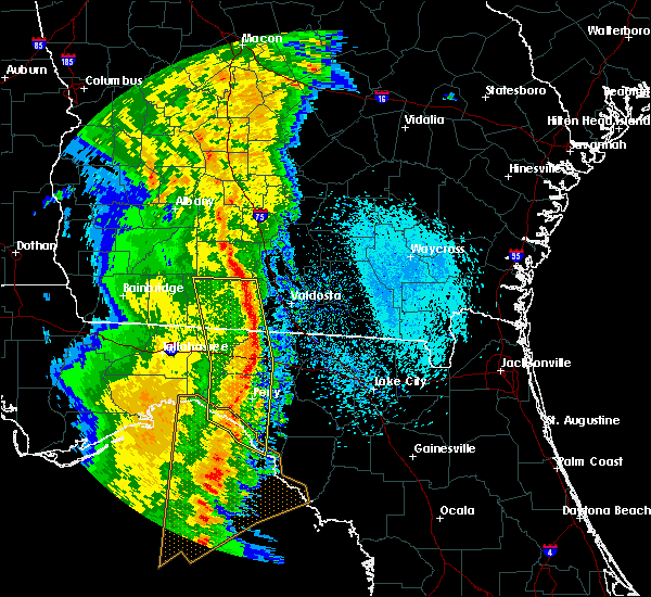 Radar Image for Severe Thunderstorms near Moultrie, GA at 4/15/2018 9:43 AM EDT