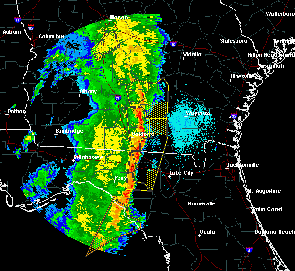 Radar Image for Severe Thunderstorms near Jennings, FL at 4/15/2018 10:37 AM EDT