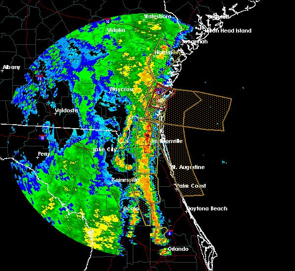 Radar Image for Severe Thunderstorms near St. Simons, GA at 4/15/2018 3:16 PM EDT