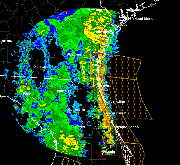 Radar Image for Severe Thunderstorms near Ormond Beach, FL at 4/15/2018 3:54 PM EDT