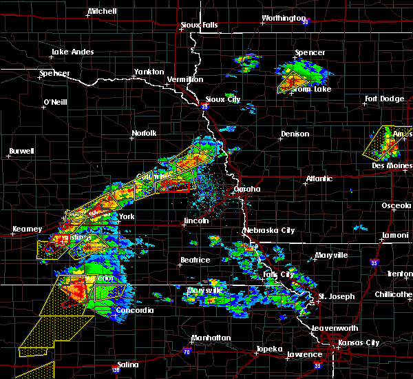 Radar Image for Severe Thunderstorms near Rising City, NE at 5/1/2018 5:12 PM CDT