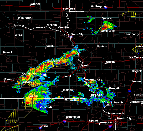 Radar Image for Severe Thunderstorms near Rising City, NE at 5/1/2018 5:29 PM CDT