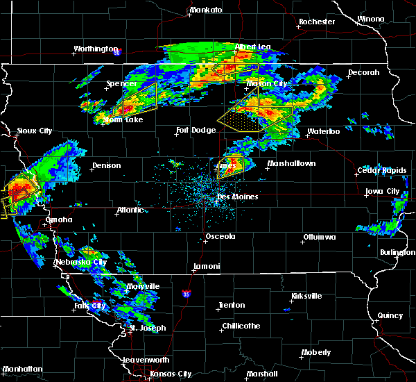 Radar Image for Severe Thunderstorms near Rockwell, IA at 5/1/2018 5:47 PM CDT
