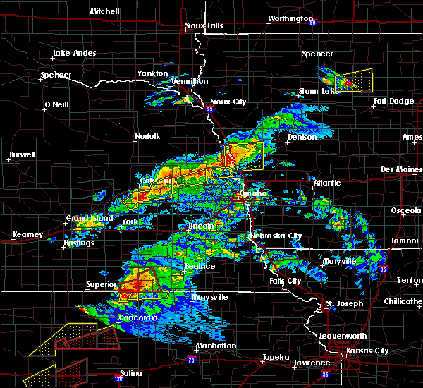 Radar Image for Severe Thunderstorms near Moorhead, IA at 5/1/2018 6:25 PM CDT