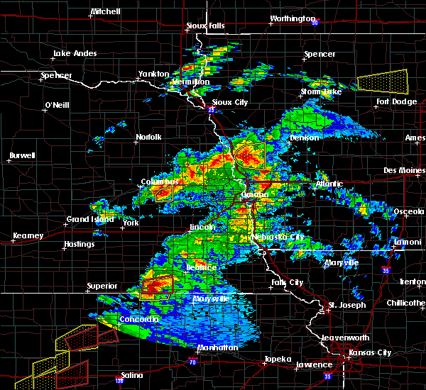 Radar Image for Severe Thunderstorms near Moorhead, IA at 5/1/2018 6:50 PM CDT