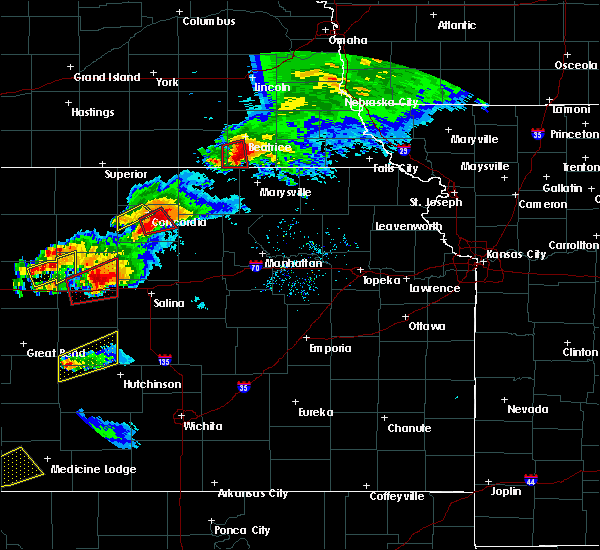 Radar Image for Severe Thunderstorms near Concordia, KS at 5/1/2018 7:27 PM CDT