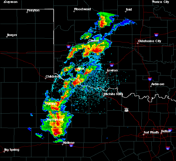 Radar Image for Severe Thunderstorms near Crowell, TX at 5/2/2018 5:37 PM CDT