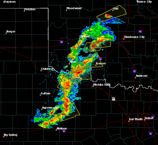 Radar Image for Severe Thunderstorms near Vernon, TX at 5/2/2018 6:28 PM CDT