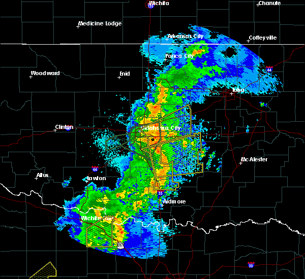 Radar Image for Severe Thunderstorms near Prague, OK at 5/2/2018 9:15 PM CDT