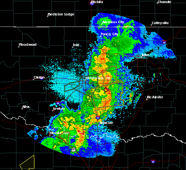 Radar Image for Severe Thunderstorms near Prague, OK at 5/2/2018 9:31 PM CDT