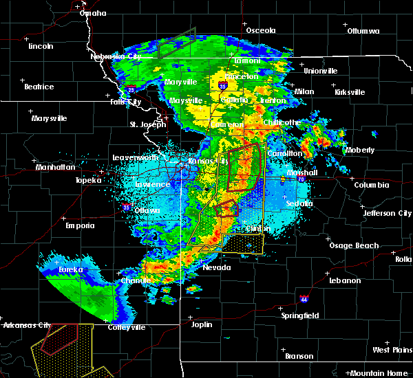 Radar Image for Severe Thunderstorms near Urich, MO at 5/2/2018 10:27 PM CDT