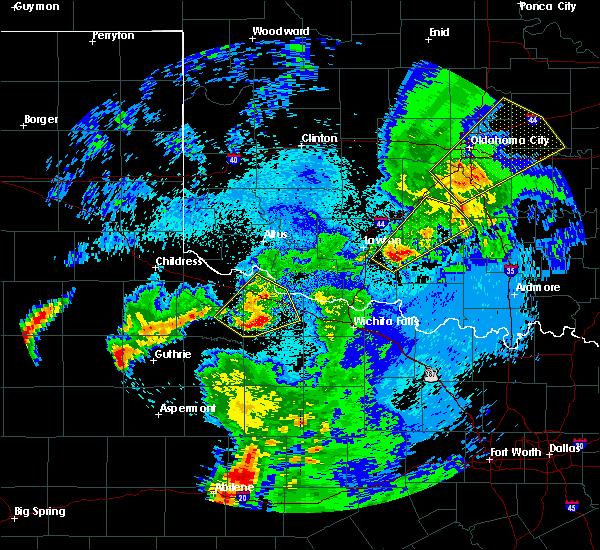 Radar Image for Severe Thunderstorms near Vernon, TX at 5/3/2018 2:01 AM CDT