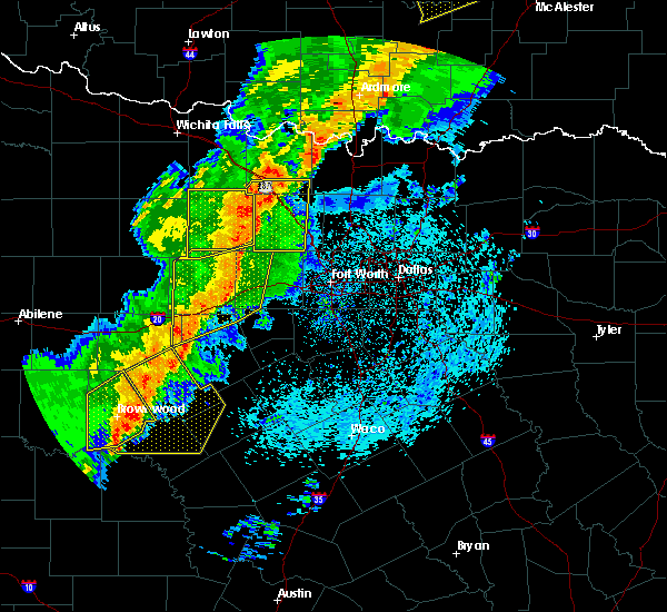 Radar Image for Severe Thunderstorms near Bowie, TX at 5/3/2018 9:02 AM CDT