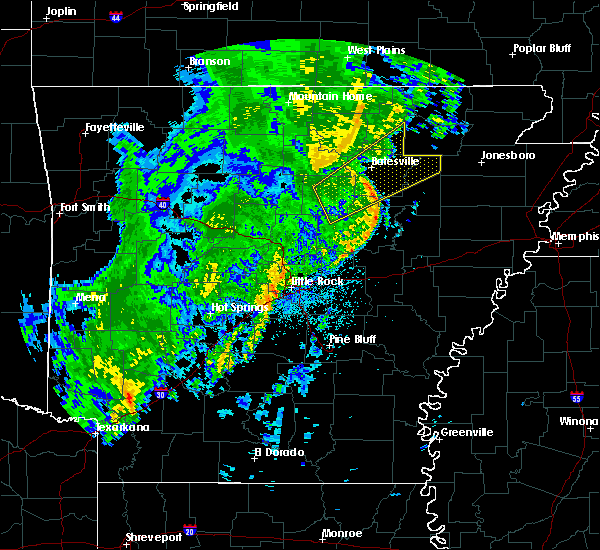 Radar Image for Severe Thunderstorms near Newport, AR at 5/3/2018 4:00 PM CDT