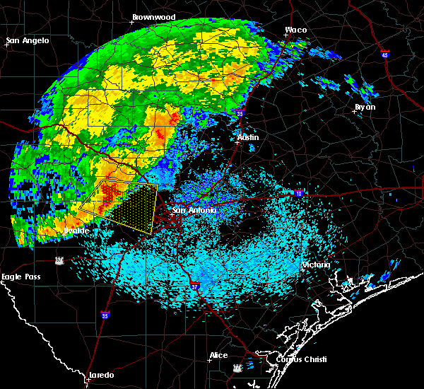 Radar Image for Severe Thunderstorms near Lakehills, TX at 5/4/2018 8:13 AM CDT