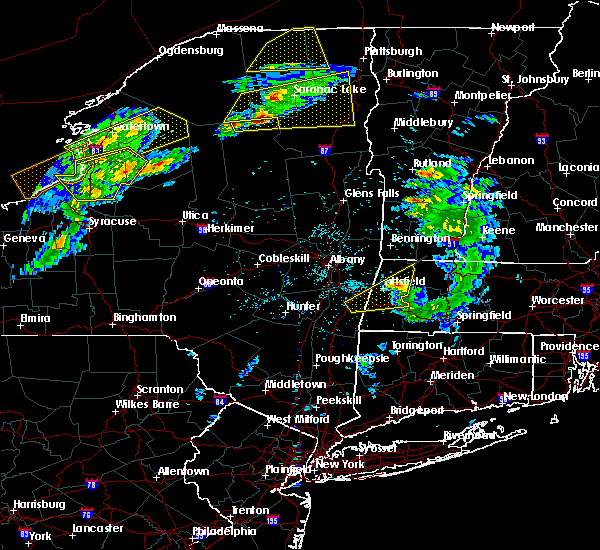 Radar Image for Severe Thunderstorms near Pittsfield, MA at 5/4/2018 5:45 PM EDT