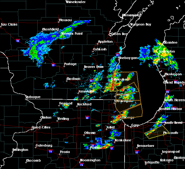Radar Image for Severe Thunderstorms near West Allis, WI at 5/9/2018 5:32 PM CDT