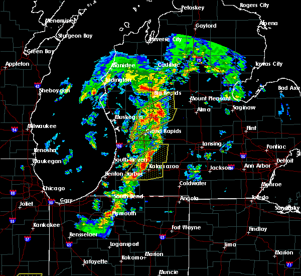 Radar Image for Severe Thunderstorms near Casnovia, MI at 5/9/2018 9:07 PM EDT