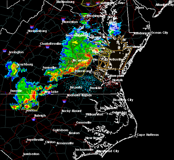 Radar Image for Severe Thunderstorms near King and Queen Court House, VA at 5/10/2018 5:22 PM EDT