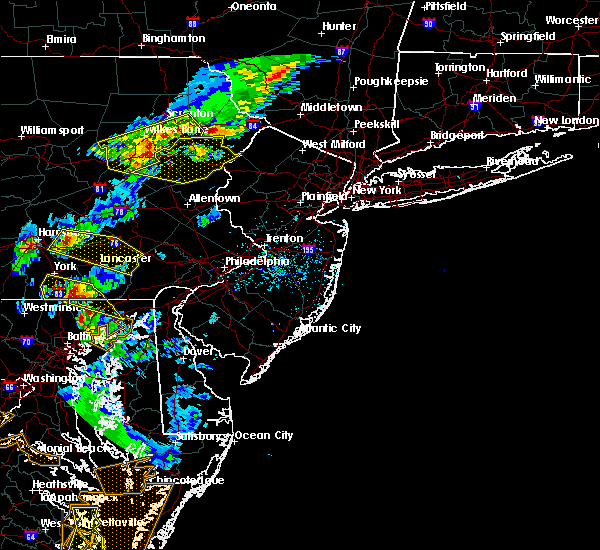 Radar Image for Severe Thunderstorms near Hopeland, PA at 5/10/2018 6:20 PM EDT