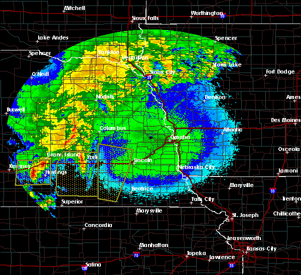 Radar Image for Severe Thunderstorms near Friend, NE at 5/11/2018 2:01 AM CDT