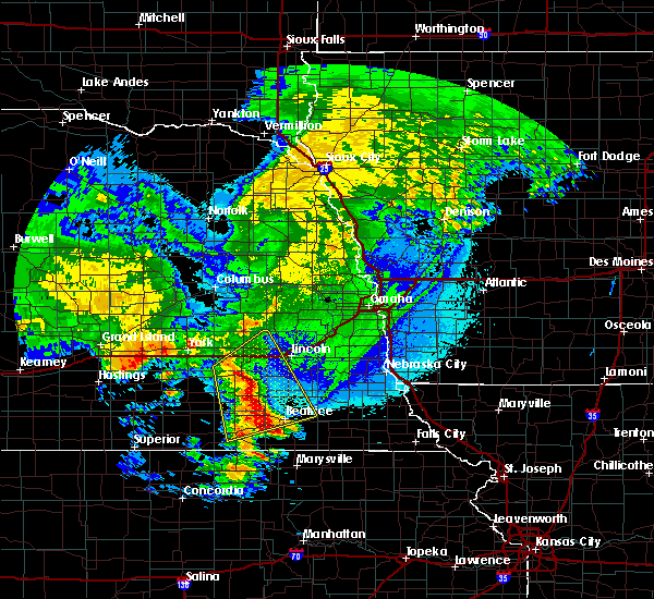 Radar Image for Severe Thunderstorms near Friend, NE at 5/11/2018 3:50 AM CDT