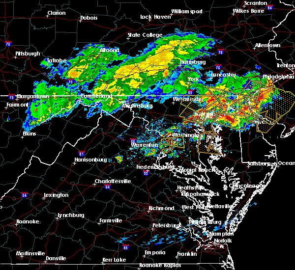 Radar Image for Severe Thunderstorms near Riverside, MD at 5/12/2018 8:01 PM EDT