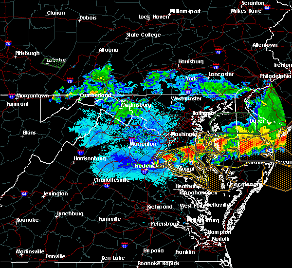 Radar Image for Severe Thunderstorms near Potomac Heights, MD at 5/12/2018 9:42 PM EDT