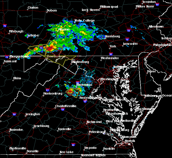 Radar Image for Severe Thunderstorms near Paw Paw, WV at 5/13/2018 6:24 PM EDT