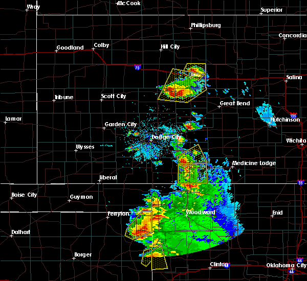 Radar Image for Severe Thunderstorms near Greensburg, KS at 5/13/2018 8:29 PM CDT