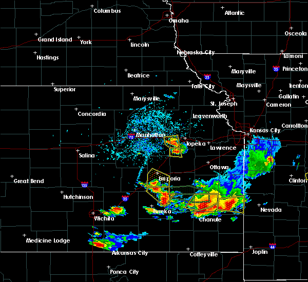 Radar Image for Severe Thunderstorms near Topeka, KS at 5/14/2018 5:03 PM CDT