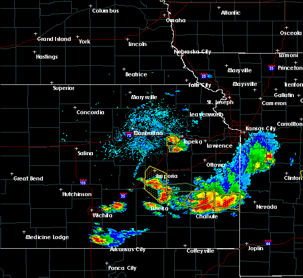 Radar Image for Severe Thunderstorms near Auburn, KS at 5/14/2018 5:10 PM CDT
