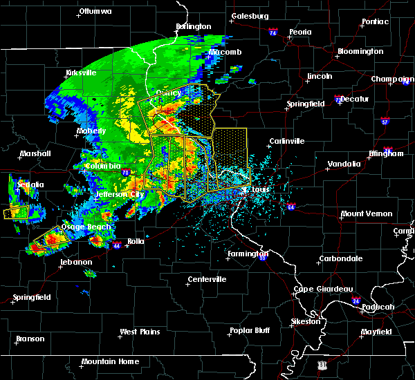 Radar Image for Severe Thunderstorms near St. Peters, MO at 5/14/2018 5:23 PM CDT